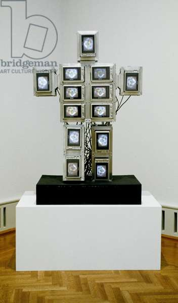 Family of Robot: Baby, 1986 (single-channel video sculpture: thirteen television monitors & aluminum armature; colour, silent, number nine of nine unique sculptures in series)