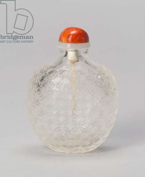 Snuff Bottle with Cash Pattern, 1750-1800 (clear crystal with carved decoration)