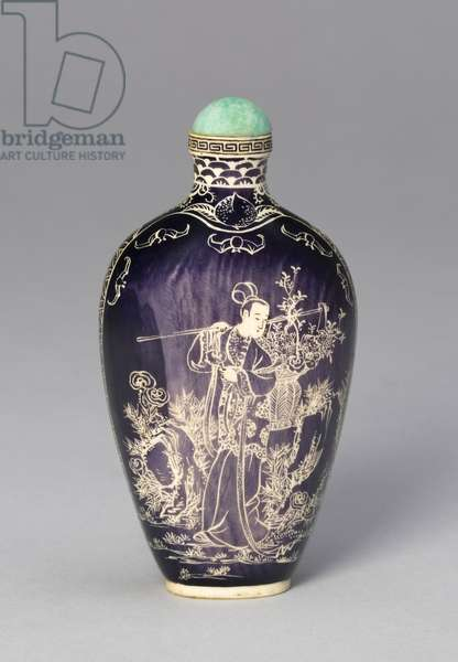 Snuff Bottle with the Immortal Magu Carrying a Basket of Flowers, c.1880 (ivory with painted decoration in reserve)