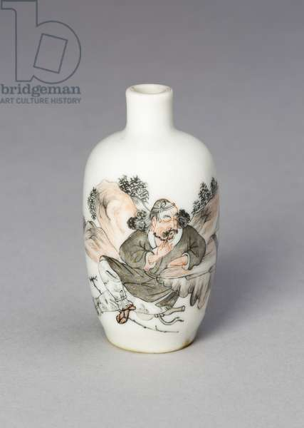 Snuff Bottle with Li Tieguai Leaning against a Rock, 1820-80 (porcelain painted in overglaze enamels)