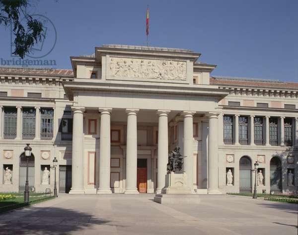 Main facade of the Prado Museum, designed by Juan de Villanueva (1739-1811) (photo)