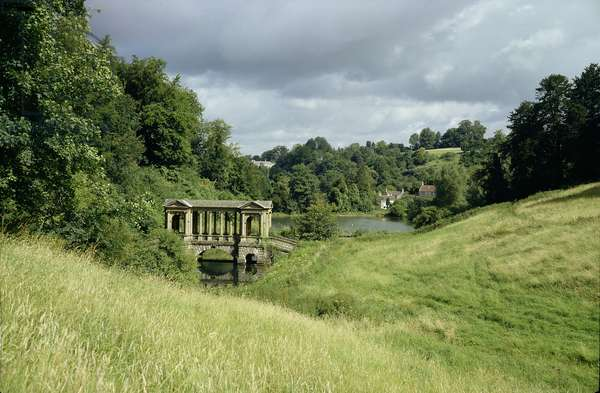 View of the Palladian Bridge, probably designed by Richard Jones, built in 1754 (photo) (see also 137280 & 82)