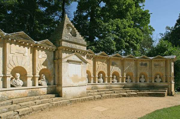 The Temple of British Worthies, Stowe (photo)