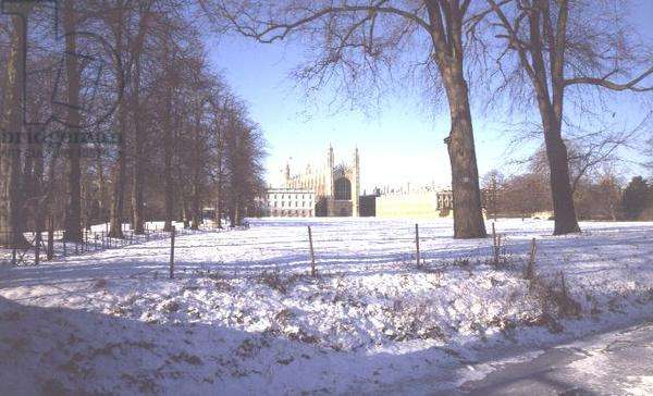 King's College and Chapel with a view of the Backs on a winter's day (photo)
