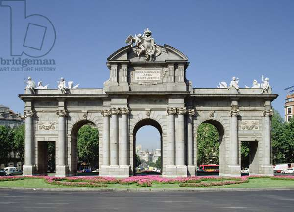 View of the Alcala Gate from the east, 1774-78, Madrid, Spain (photo)