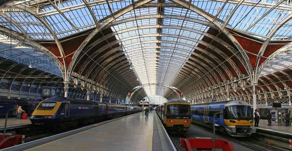 Paddington Station, view from south-easr with transverse roof-canopy (photo)