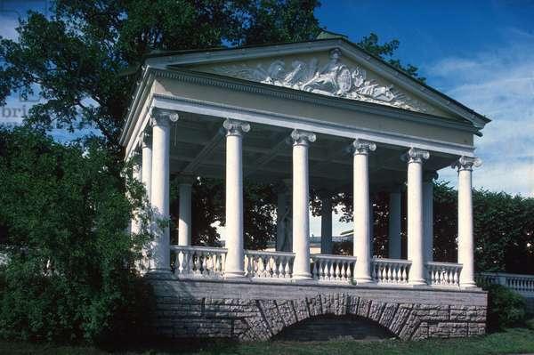 Pavilion of the Three Graces (photo)