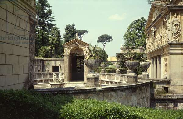 Courtyard of the Casina of Pius IV, 1558-62 (photo)