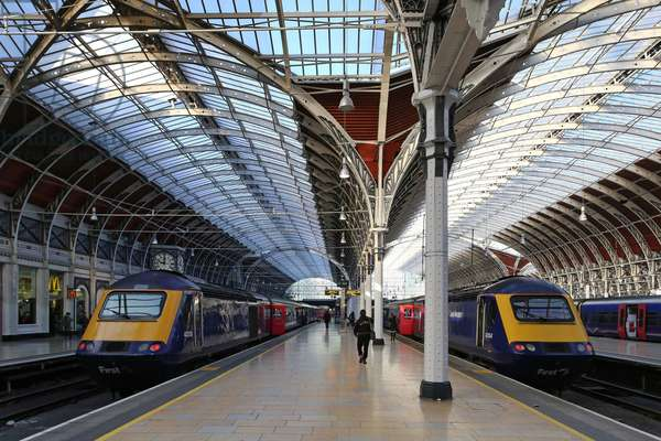 Paddington Station, Platforms 2 and 3 from south-east (photo)