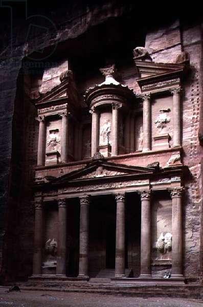 Facade of Khasneh Firaoun (the Treasury of the Pharaoh) c.1st century (photo) (for detail see 119286)