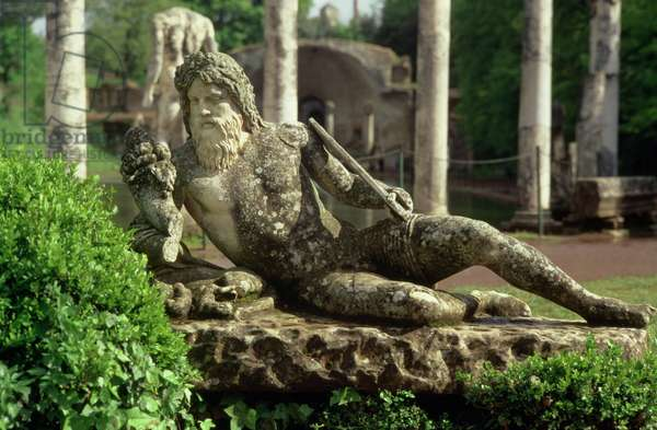 Reclining river-god near the Canopus, 118-128 (photo)