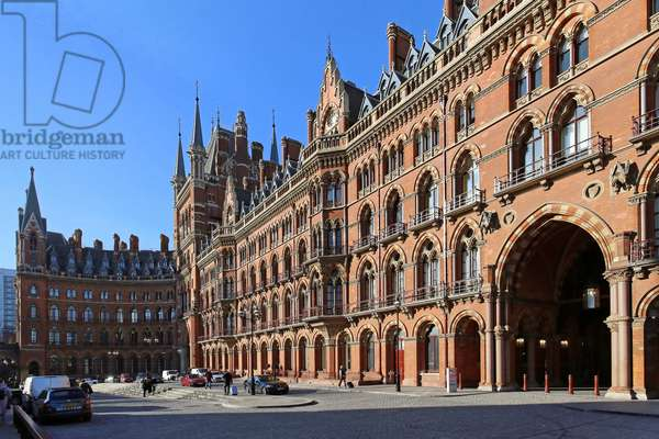 St. Pancras Station, Renaissance Hotel from the east (photo)