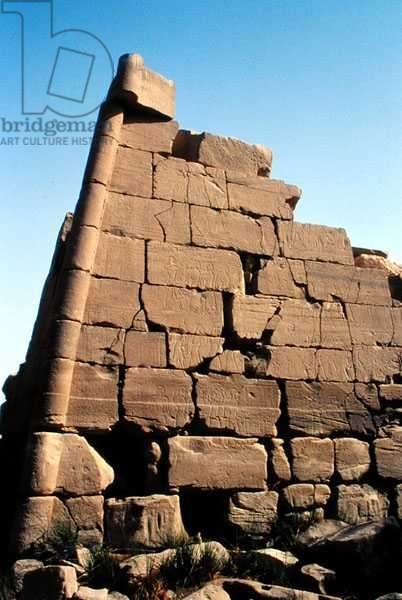 The First Pylon depicting the Battle of Kadesh, New Kingdom (photo)