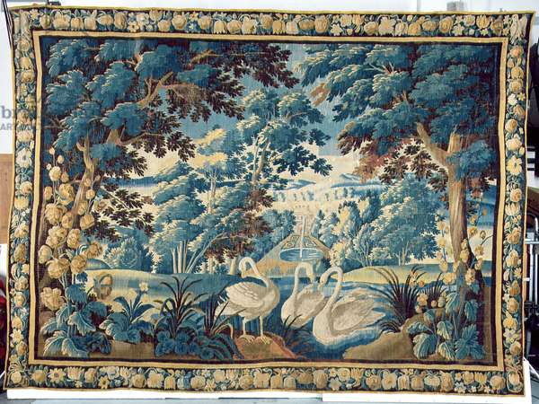 Tapestry depicting swans, Aubusson, c.1650 (woven wool and silk)