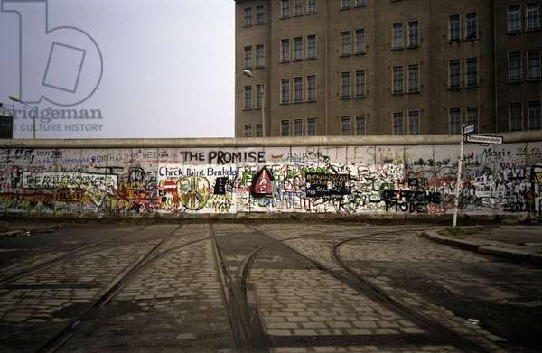 The Berlin Wall, 1988 (photo)