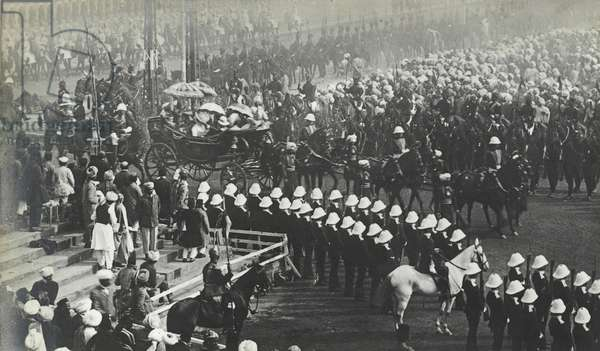 Queen Mary's State Entry into Delhi, December 7th 1911 (b/w photo)