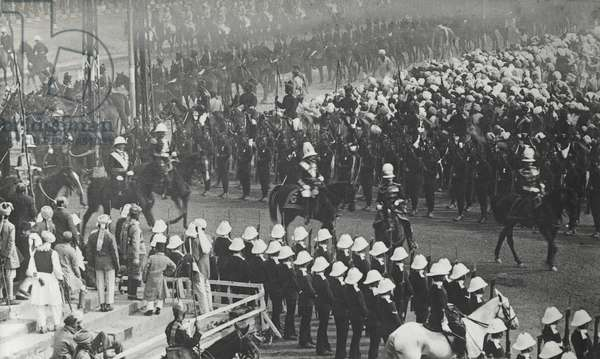 King George V at the State Entry into Delhi, December 7th 1911 (b/w photo)