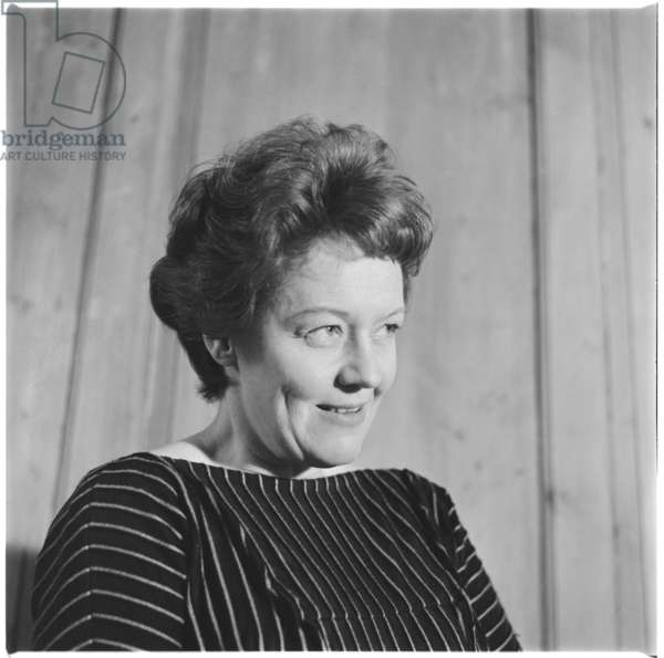 Hedli Anderson, portrait of British actor, singer, cabaret star and muse to Auden, Isherwood, Britten and Macneice, mid 1950's (b/w photo)
