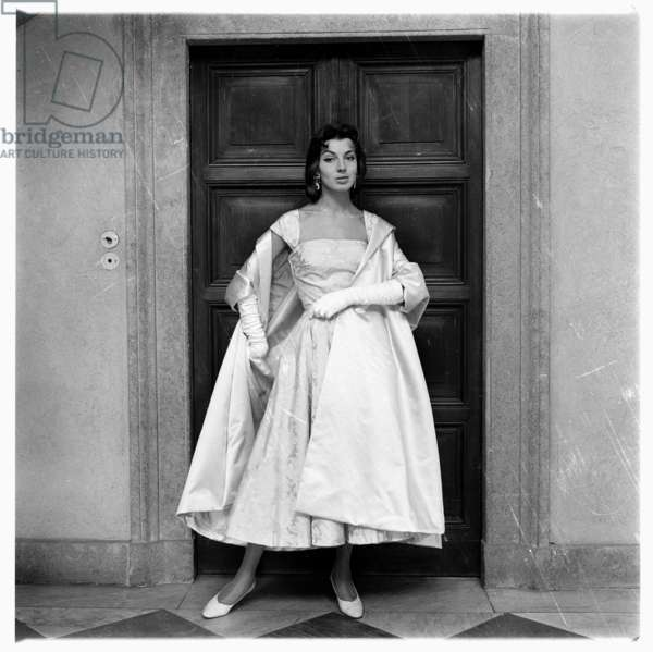 Image from a fashion shoot of Paris Collections for French newspaper Le Figaro, 1952, Rome, Italy