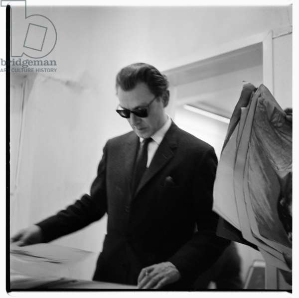 Stephan Ward, portrait of Stephan Ward at his drawing exhibition, associate of Christine Keeler and later scandal of Profumo Affair, London, UK, early 1960's (b/w photo)