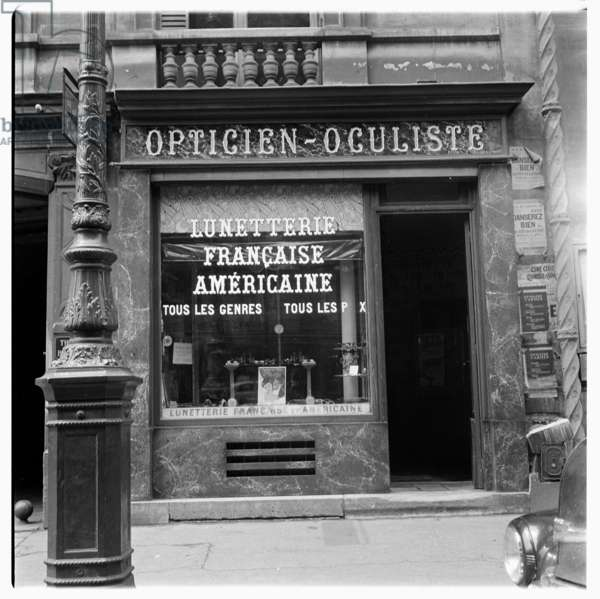 Paris shopfront, c.1955 (b/w photo)