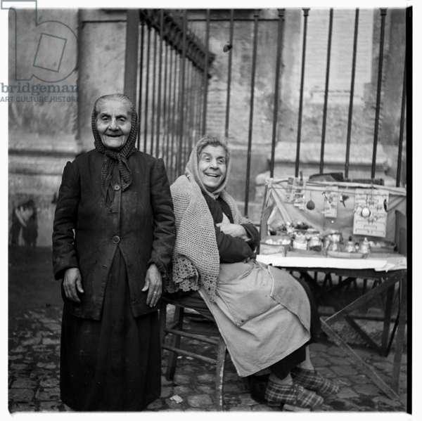 Rome street stall, c.1951-54 (b/w photo)
