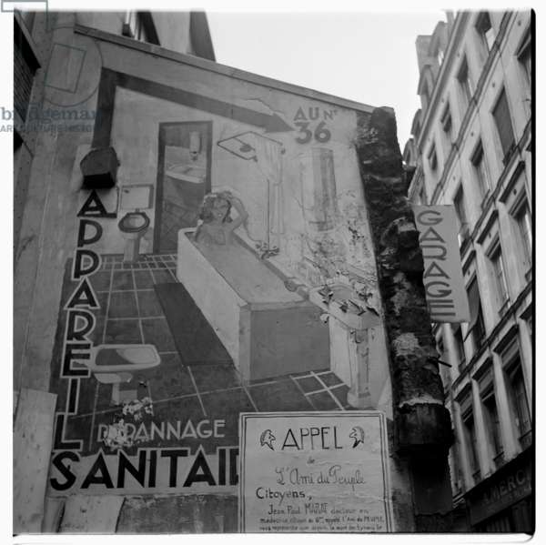 Image of naively painted adbvertisment, Paris, early early 1950's