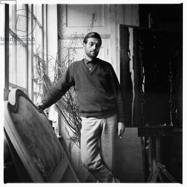 David Silvester, portrait of art critic, curator and writer on Francis Bacon, in his house London early 1960's (b/w photo)
