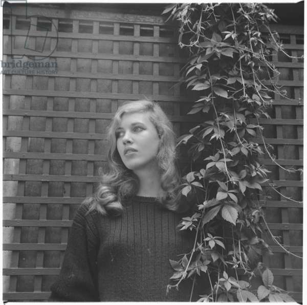 Suna Portman, portrait of Chelsea-set socialite and heiress, London, mid 1950's (b/w photo)
