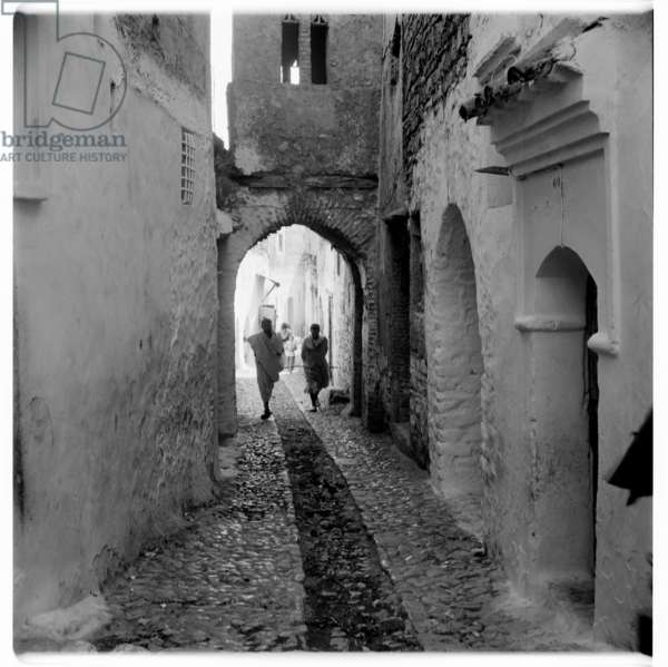 In the alleyways of a Tangierian village in the hills, Tangier, early 1960's (b/w photo)