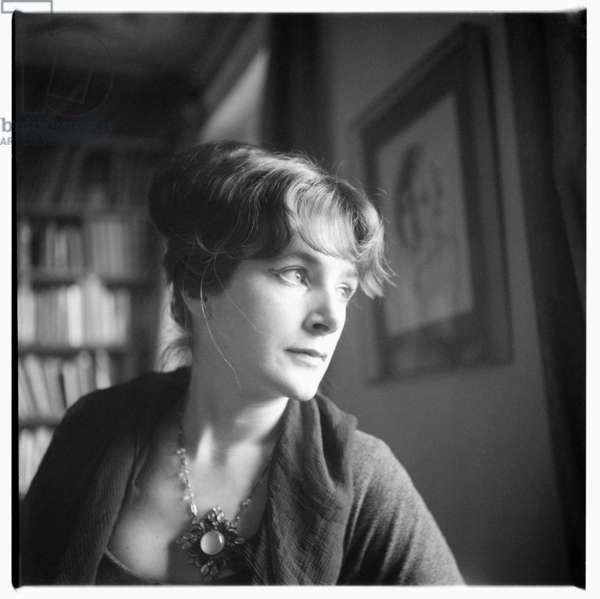 Oonagh Swift, portrait of wife of painter Patrick Swift, London, UK, late 1950's (b/w photo)