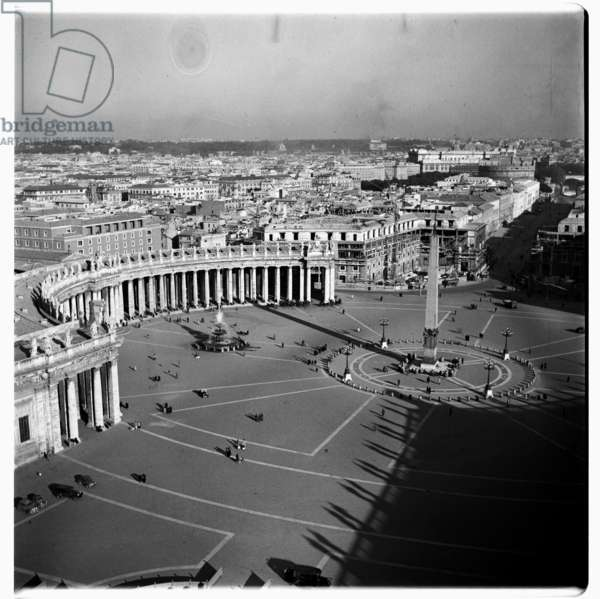 St. Peter's Square, Rome, early 1950s (b/w photo)