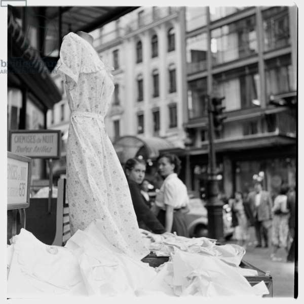 Image of a chemise de nuit - nightdress display window, Paris early early 1950's