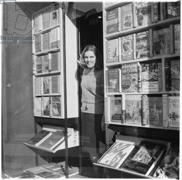 Better Books, portrait of an independent bookstore founded by Tony Godwin at 94 Charing Cross Road, London, UK, mid 1950's (b/w photo)
