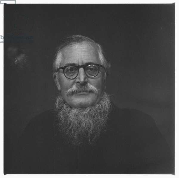 Sir William (Bill) Epson, portrait of leading literary critic, poet & professor of English literature in a Chinese jacket, Soho, London, UK, 1963 (b/w photo)