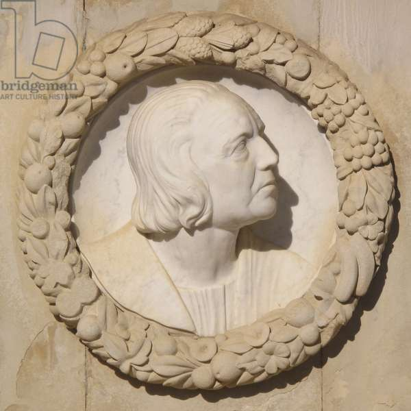 Portrait of the navigator Christopher Columbus (Christopher Columbus, Cristoforo Colombo, 1451-1506) - Sculpture by Lorenzo Coullaut Valera (1876-1932), detail of the monument dedicated to him, in Seville (Spain)
