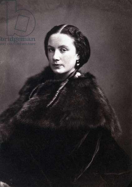 Portrait of Madame Pichat. Portrait of a chic woman wearing English buckles with a fur coat. Photograph by Gaspard Felix Tournachon dit Felix Nadar (1820-1910), 1855. Dim: 14x20cm. Albumine print.