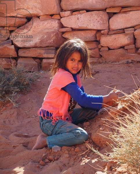 Jordan: Bedouin girl, Petra site
