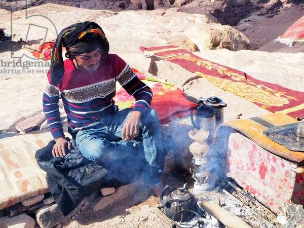 Jordan: Bedouin preparing the Petra site