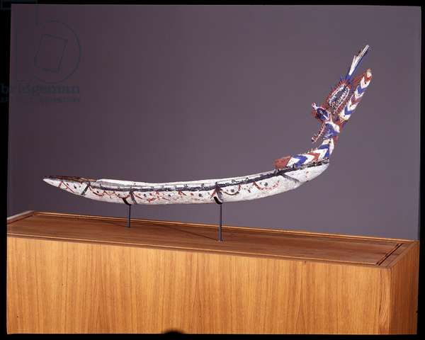 Model or model of canoe. Peninsule de la Gazelle, Bismarck Archipelago, New Britain, Papua New Guinea (Papua New Guinea). Dim: 140x60x10cm. Donation of the Missionaries of the Sacred Heart of Issoudun in 2000. Wood cut and painted, vegetable fiber. Musee de l'hospice Saint-Roch, Issoudun. Mandatory mention