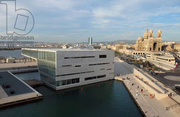 Marseille, Villa Mediterannee, (Architect Stefano Boeri, 2013) - Cultural Space of the Regional Council PACA dedicated to the Mediterranean space, - On the right, the Musee Regards de Provence and the Cathedrale la Major, - At the bottom the CMA-CGM Tower (architect Zaha Hadid) -