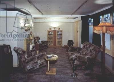 The 1930s 'Suburban Lounge'