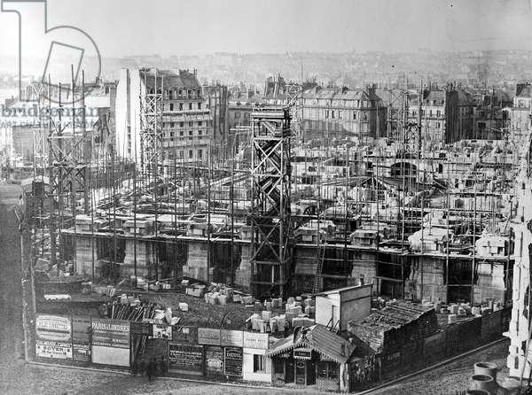 The Building of the Paris Opera House, c.1862-5 (b/w photo)