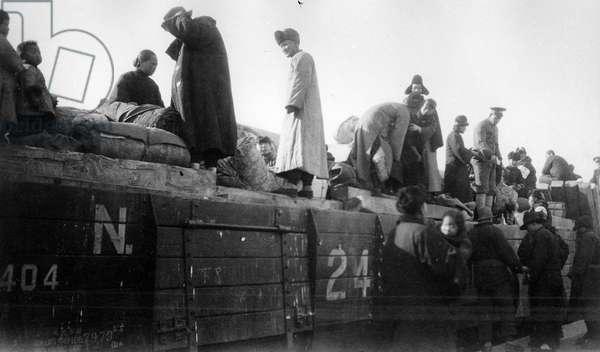 Manchurian refugees fleeing the Japanese Invasion, c.1931 (b/w photo)