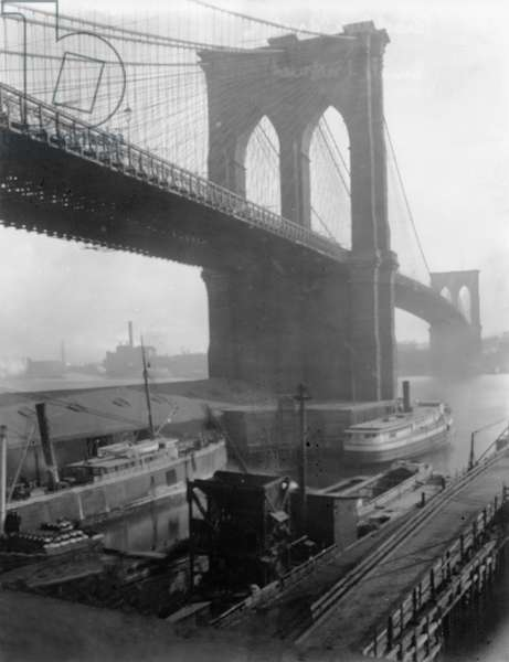 The Brooklyn Bridge, c.1903-10 (b/w photo)