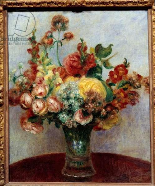 Flowers in a vase. Painting by Pierre Auguste Renoir (1841-1919), 1898. Oil on canvas. Dim: 0.55 x 0.44. Paris, Musee De l'Orangerie