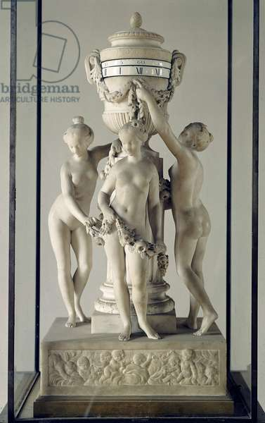 Les trois Graces Pendulum en marble blanc by Etienne Maurice Falconnet (1716-1791) Around 1770 Paris, musee du Louvre