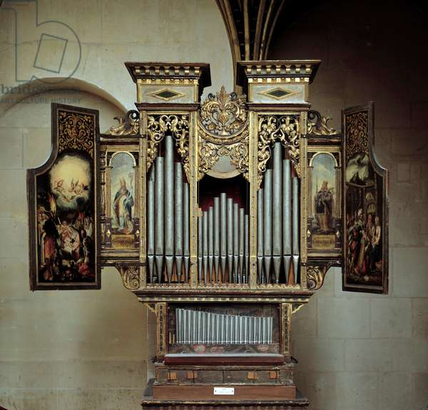 Organ of the chapel of the castle of Enouen. Beginnings of the 16th century. Listen, National Renaissance Museum