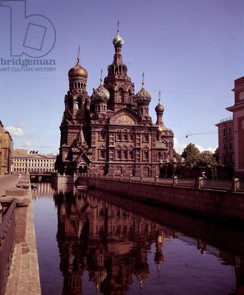 Architecture: view of the church of the Holy Savior and the Sang Verse realized between 1883 and 1907. St. Petersburg. Russia