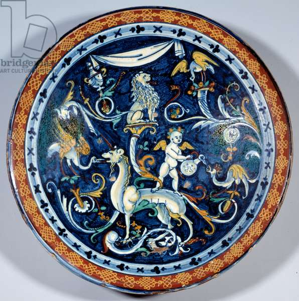Cafaggiolo faience cup decorates fantastic animals. 1510-1520 Paris, Louvre Museum